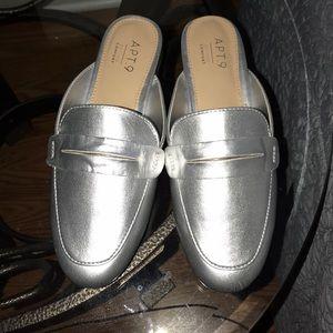 Apt. 9 silver slide shoes size 6 m NWOT